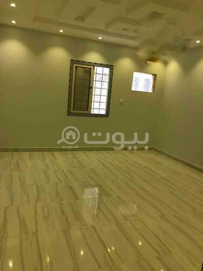 5 Bedroom Floor for Rent in Jeddah, Western Region - Floor with park for rent in Al Sawari, North Jeddah