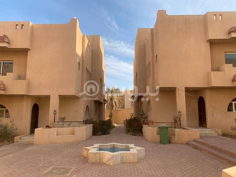 دوبلكس للإيجار كمباوند في حي الهدا، غرب الرياض