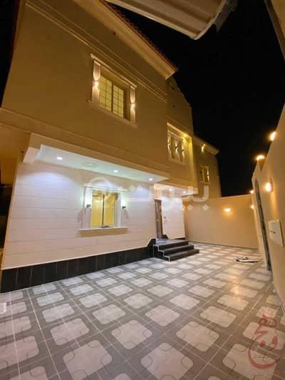 فیلا  للبيع في جدة، المنطقة الغربية - فيلا كلاسيك للبيع بحي الصواري(أ)، شمال جدة | دورين مع ملحق