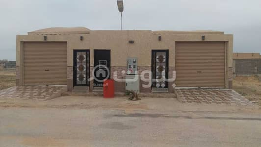 1 Bedroom Rest House for Sale in Buraydah, Al Qassim Region - For sale two spacious istiraha with a Pool in Al Shiqah, Buraydah