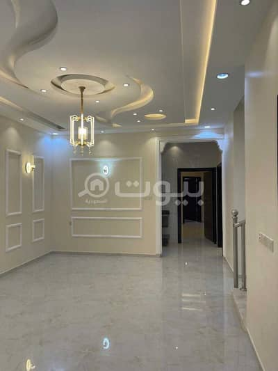 6 Bedroom Flat for Sale in Khamis Mushait, Aseer Region - Apartments wtih parking for sale in Al Mousa, Khamis Mushait