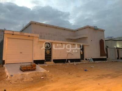 3 Bedroom Floor for Sale in Hafar Al Batin, Eastern Region - For sale a floor in Al Wadi, Hafar Al Batin