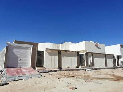 4 Bedroom Floor for Sale in Hafar Al Batin, Eastern Region - For sale a new ground floor in Al Yarmuk district, Hafar Al Batin