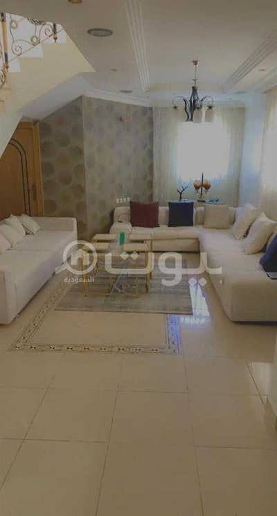4 Bedroom Villa for Sale in Riyadh, Riyadh Region - Villa staircase in the hall for sale in Al-Nafal district, north of Riyadh