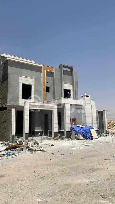 4 Bedroom Villa for Sale in Riyadh, Riyadh Region - Villa | Internal stairs for sale in Al Bayan Neighborhood, East of Riyadh
