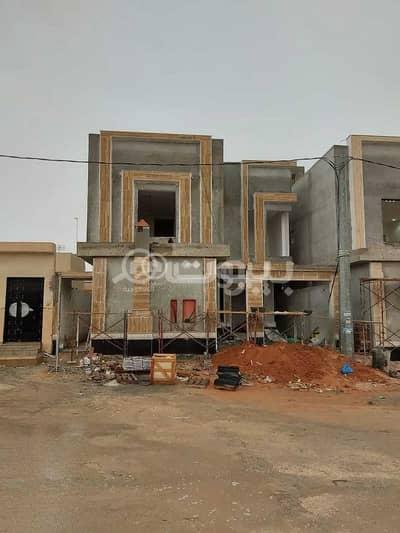 6 Bedroom Villa for Sale in Riyadh, Riyadh Region - Villa Internal stairs and apartment for sale in Al Sharq, East Riyadh