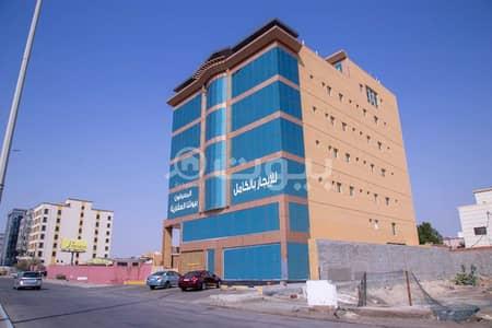 Hotel Apartment for Sale in Jeddah, Western Region - Hotel tower for sale in Al Basateen, overlooking King Abdulaziz Road north of Jeddah