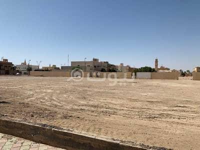 ارض تجارية  للبيع في الأفلاج، منطقة الرياض - محافظة الأفلاج- ليلى - بالقرب من بنك الرياض ومطاعم هيرفي