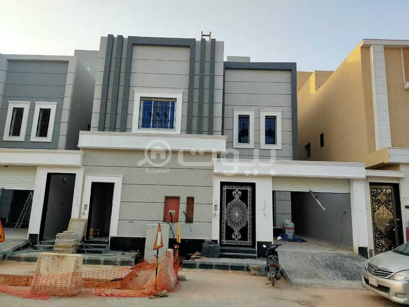 Villa internal staircase and 2 apartments for sale in Al Rimal, east of Riyadh