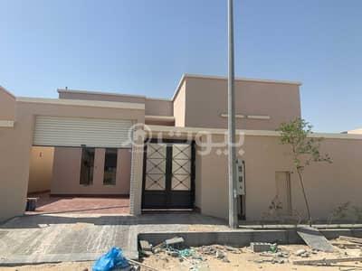 4 Bedroom Floor for Sale in Al Khobar, Eastern Region - Ground floor villa for sale in Al Sawari district, Al-Khobar