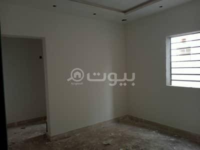 فیلا 5 غرف نوم للبيع في الرياض، منطقة الرياض - فيلا درج داخلى وشقتين في الرمال، شرق الرياض