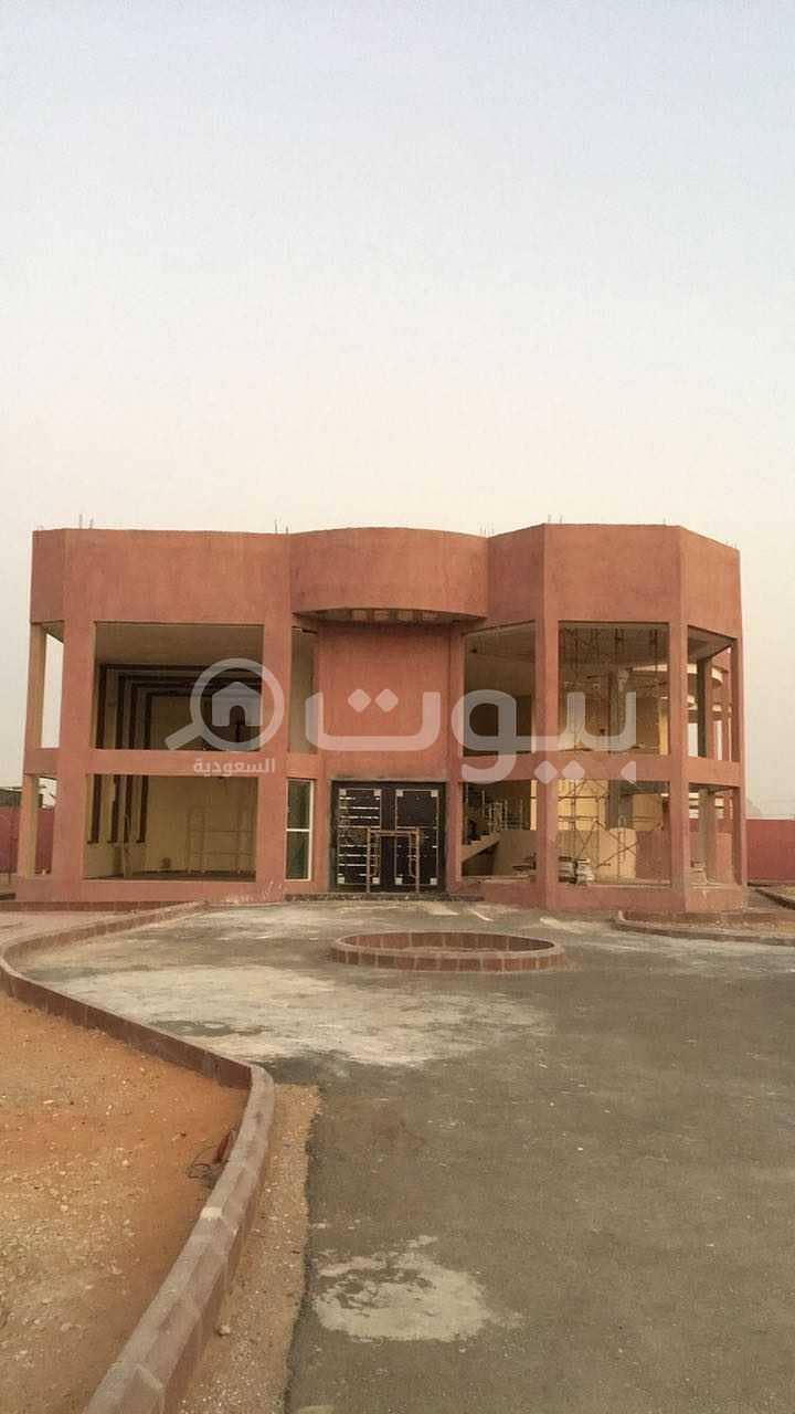 قصر | 5000م2 للبيع في حي نوارة، المزاحمية