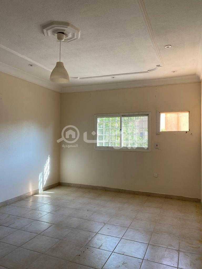 دور علوي | غرفتين للإيجار في الازدهار، شرق الرياض