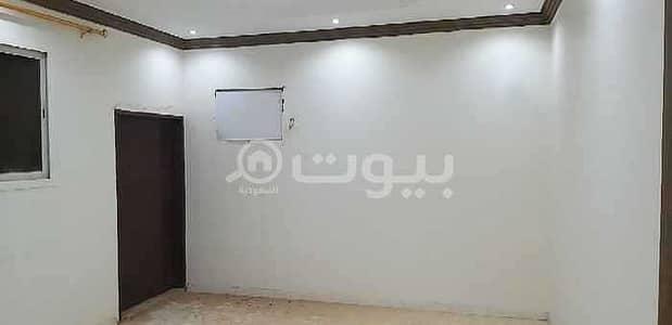 فلیٹ 4 غرف نوم للبيع في الرياض، منطقة الرياض - شقه مع سطح للبيع بحي الدار البيضاء، جنوب الرياض