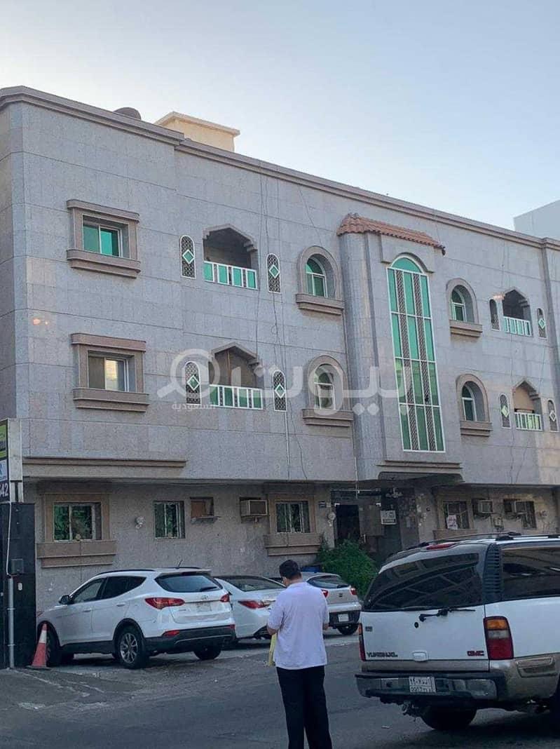 عمارة استثمارية سكنية للبيع في حي الصفا، شمال جدة