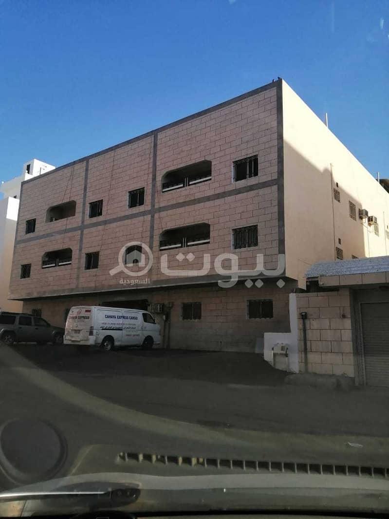 عمارة للبيع في حي المروة، شمال جدة | 702م2