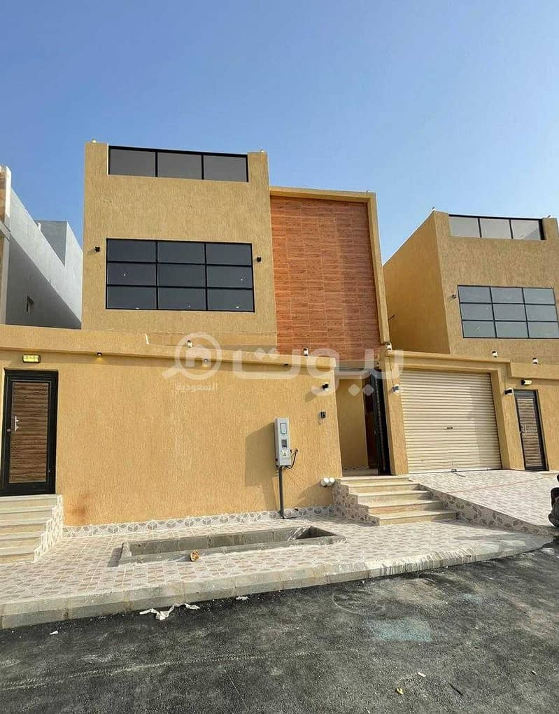 For Sale Two Floors Villa And An Annex In Al Zumorrud, North Jeddah