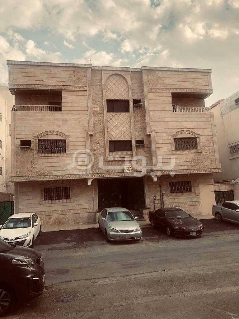 عمارة سكنية | 3 أدوار للبيع في الصفا، شمال جدة