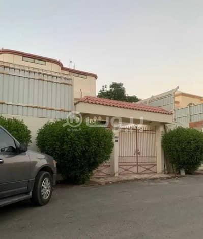 10 Bedroom Villa for Sale in Jeddah, Western Region - 2 Floors villa and annex for sale in Al Safa district, north of Jeddah