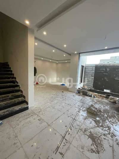 6 Bedroom Villa for Sale in Jeddah, Western Region - Modern villa with 2 floors and an annex for sale in Al Zumorrud district, north of Jeddah