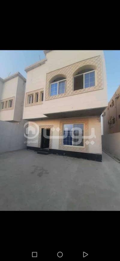 5 Bedroom Villa for Sale in Dammam, Eastern Region - Semi-detached Villa for sale in King Fahd Suburb, Dammam