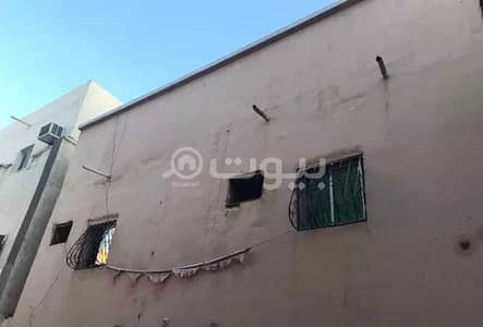 Residential Building for Sale in Jeddah, Western Region - Residential building for sale in Petromin district, south of Jeddah