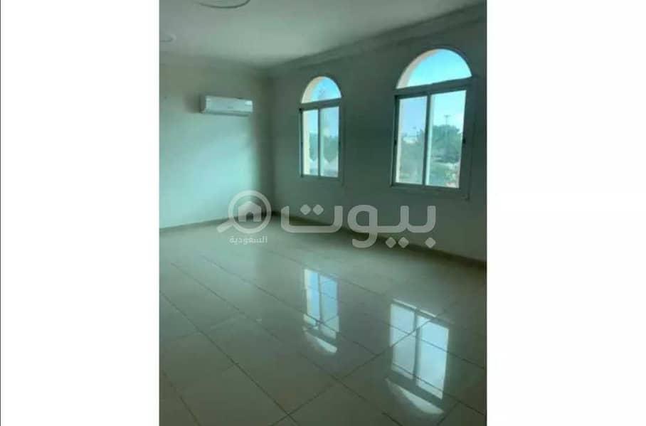 دور علوي كبير | بمدخل خاص للإيجار في حي الصحافة، شمال الرياض