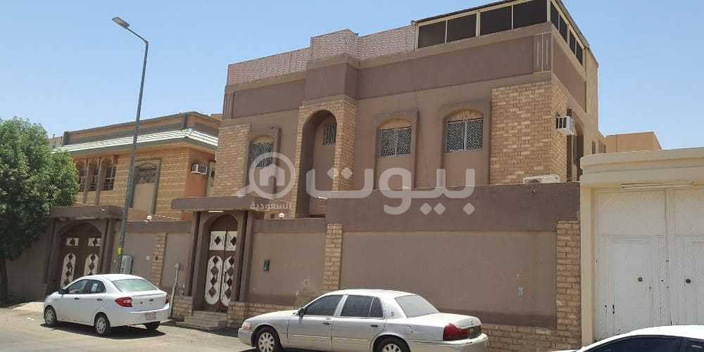 فيلا سكنية قديمة للبيع بحي السويدي، غرب الرياض