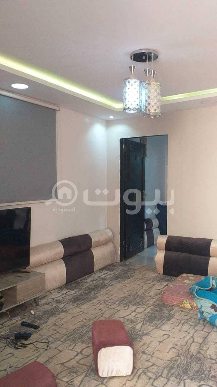دور أرضي من قسمين للبيع في حي الندوة، شرق الرياض