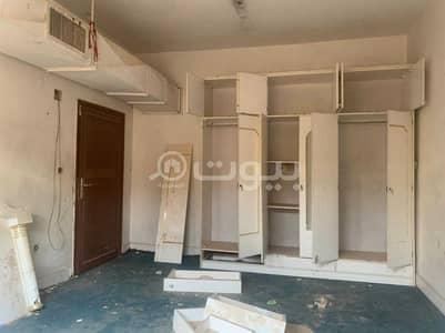 عمارة سكنية 4 غرف نوم للبيع في الرياض، منطقة الرياض - بيت قديم مع أرض للبيع بحي الخالدية، وسط الرياض