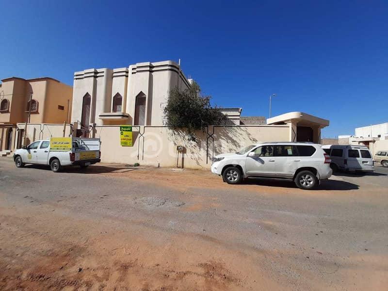 Villa 2 floors internal stairs for sale in Al Samra, Hail