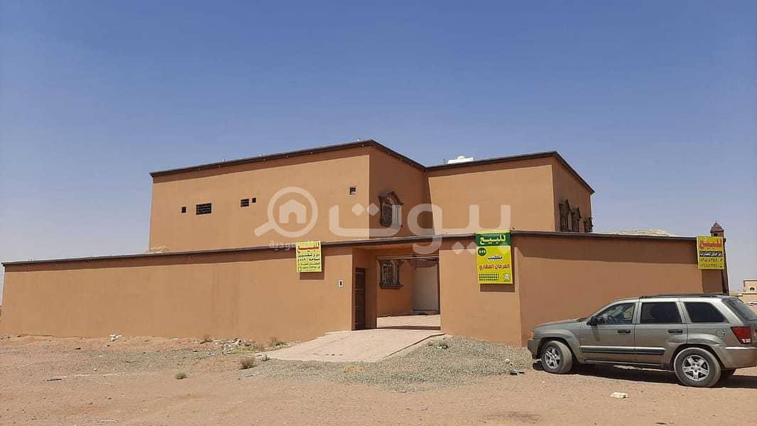 Villa floors and 2 apartments for sale in Al Dahiya neighborhood, Al Suwayfilah, Hail