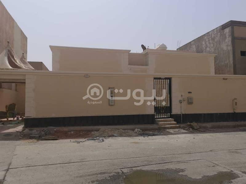دور أرضي للبيع في طويق، غرب الرياض