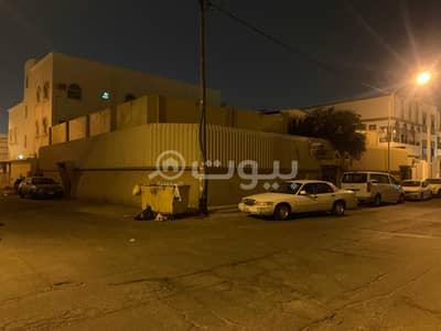دور 10 غرف نوم للبيع في خميس مشيط، منطقة عسير - دور من شقتين للبيع بأم سرار، خميس مشيط