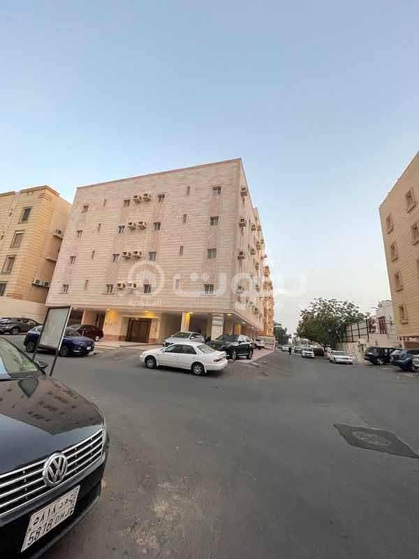 عمارة سكنية استثمارية للبيع بحي الزهراء، شمال جدة
