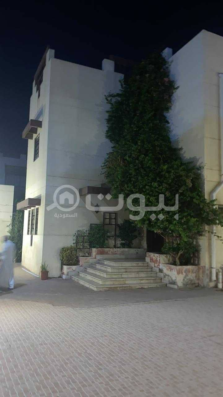 Villa with 2 floors and an annex for sale in Al Manar, North Jeddah
