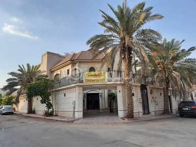 5 Bedroom Villa for Sale in Riyadh, Riyadh Region - Furnished villa with staircase hall for sale in Al Andalus, East Riyadh
