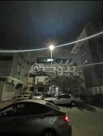 عمارة للبيع في طريق الأمير متعب بن عبد العزيز حي الصفا شمال جدة