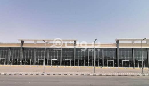 Showroom for Rent in Riyadh, Riyadh Region - Delmar Center | Showroom and mezzanine for rent in Al-Andalus district, east of Riyadh