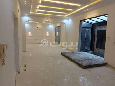 فیلا 4 غرف نوم للبيع في الرياض، منطقة الرياض - فيلا درج صالة وشقتين للبيع في حي الرمال الذهبي شرق الرياض