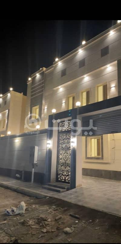 3 Bedroom Villa for Sale in Jeddah, Western Region - Villa Two Floors With An Annex For Sale In Al Falah, North Jeddah