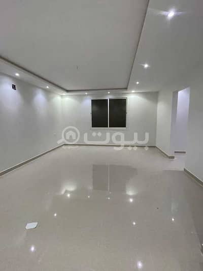 5 Bedroom Villa for Sale in Riyadh, Riyadh Region - Villa for sale in Tuwaiq district Ahmed Bin Al Khattab Street, west of Riyadh | 5 BR