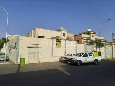 6 Bedroom Villa for Sale in Hail, Hail Region - Corner villa | two floors corner for sale in Al Matar district, Hail