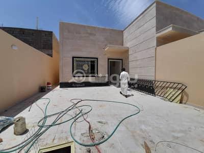 3 Bedroom Floor for Sale in Hail, Hail Region - Floor for sale in Al Suwayfilah, Hail