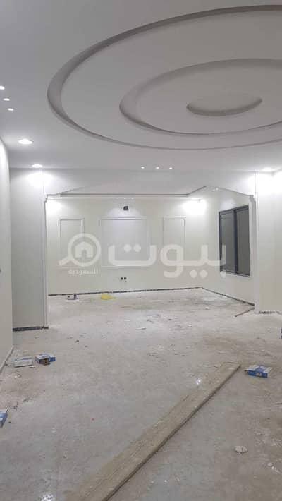 Villa for Sale in Riyadh, Riyadh Region - Two villas | staircase in the hall and two apartments for sale in Al-Rimal, east of Riyadh