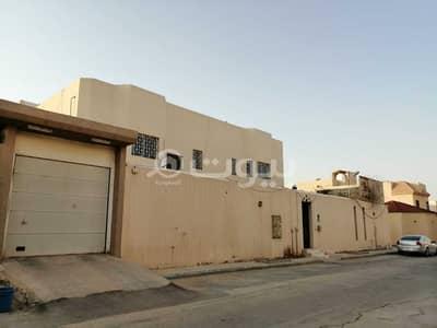 Villa for Sale in Riyadh, Riyadh Region - Two floors villa for sale in Al Andalus, East Riyadh