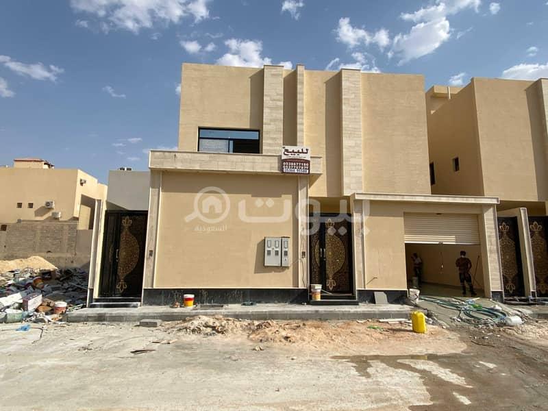 للبيع فيلتين درج صالة وشقتين في النرجس، شمال الرياض