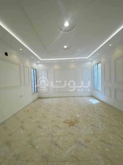 4 Bedroom Villa for Sale in Riyadh, Riyadh Region - Villa for sale in Al Mahdiyah district, west of Riyadh | with 3 apartment