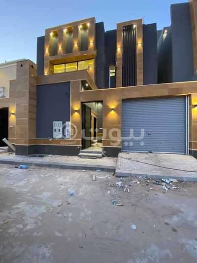 5 Bedroom Villa for Sale in Riyadh, Riyadh Region - Internal staircase villa and 2 apartments for sale in Al Mahdiyah district, west of Riyadh
