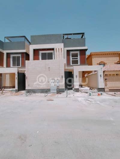 Villa for Sale in Riyadh, Riyadh Region - For Sale Staircase Villa And Two Apartments In Qurtubah, East Riyadh